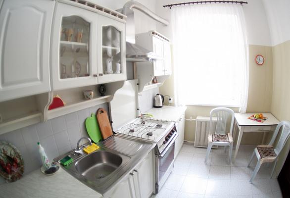 2-комнатная квартира посуточно в Одессе. Приморский район, пл. Веры Холодной, 1. Фото 1