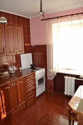 1-комнатная квартира посуточно в Луцке. пр-т Президента Грушевского, 27. Фото 1