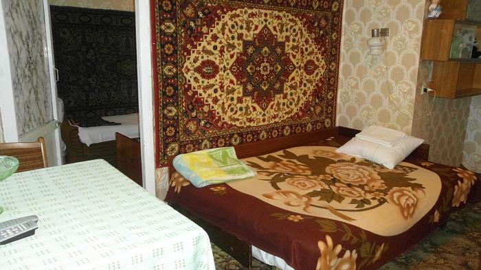 2-комнатная квартира посуточно в Евпатории. ул. 60 лет ВЛКСМ , 2/112. Фото 1