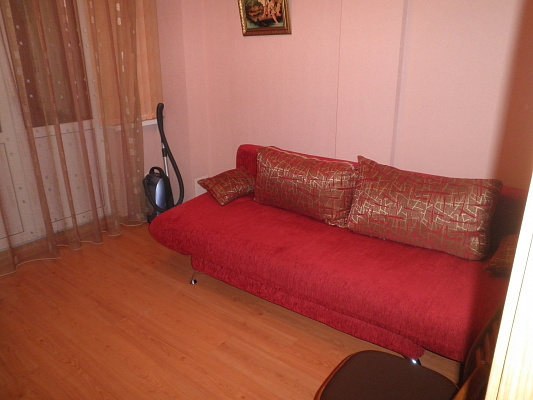 2-комнатная квартира посуточно в Алуште. ул. Ленина, 26. Фото 1