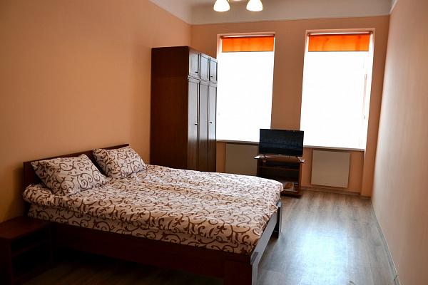 2-комнатная квартира посуточно в Львове. Галицкий район, ул. Джерельная, 2б. Фото 1