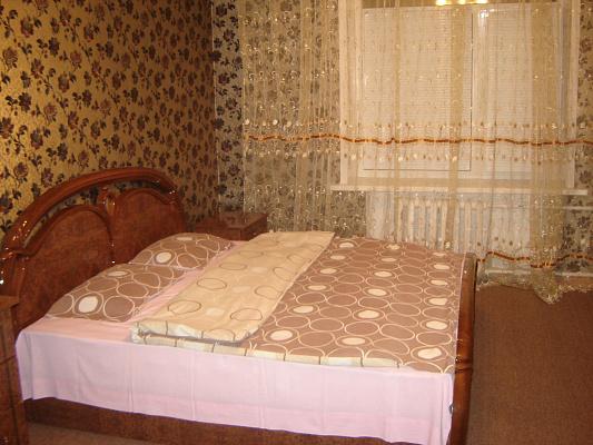 2-комнатная квартира посуточно в Запорожье. Орджоникидзевский район, ул. Леонида Жаботинского, 5-А. Фото 1