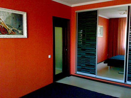 2-комнатная квартира посуточно в Хмельницком. ул. Институтская, 6в. Фото 1