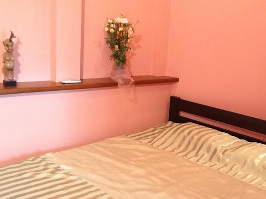 2-комнатная квартира посуточно в Одессе. Приморский район, ул. Бернардацци, 8. Фото 1