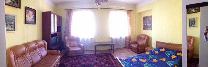 1-комнатная квартира посуточно в Львове. Галицкий район, ул. Леси Украинки, 36. Фото 1