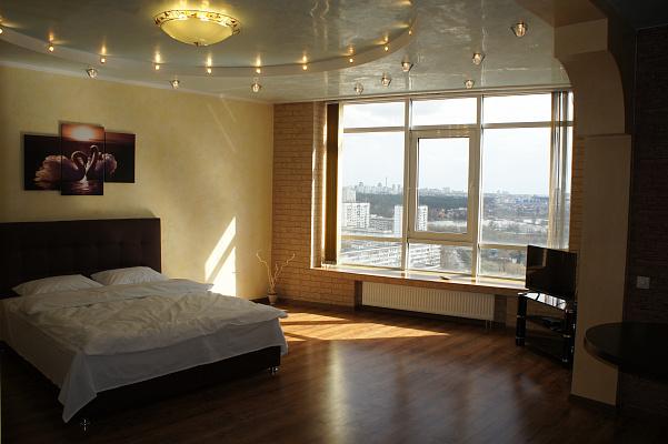 1-комнатная квартира посуточно в Киеве. Святошинский район, ул. Николая Ушакова, 1. Фото 1