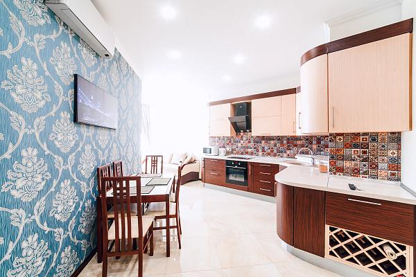 3-комнатная квартира посуточно в Одессе. Приморский район, Гагаринское Плато, 5а. Фото 1