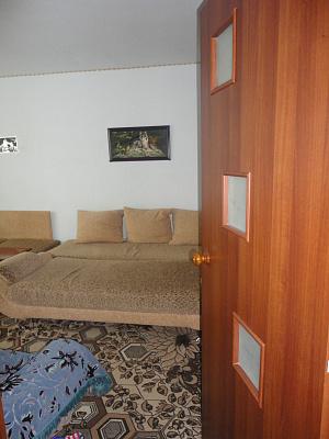 1-комнатная квартира посуточно в Южном. ул. Строителей, 3. Фото 1