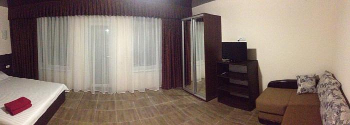 Мини-отель  посуточно в Скадовске. ул. Джарылгацкая (Комсомольская), 7. Фото 1