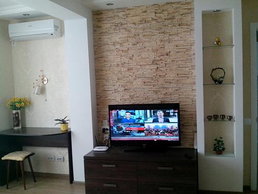 1-комнатная квартира посуточно в Южном. ул. Генерала Иванова, 22. Фото 1