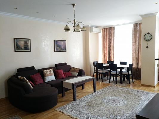 3-комнатная квартира посуточно в Одессе. Приморский район, б-р Французский, 22. Фото 1