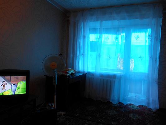 1-комнатная квартира посуточно в Северодонецке. пр-т Гвардейский, 27а. Фото 1