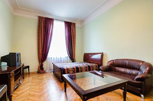 2-комнатная квартира посуточно в Львове. Галицкий район, ул. Новаковского, 8. Фото 1