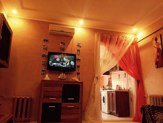 1-комнатная квартира посуточно в Одессе. Приморский район, пл. Соборная, 2. Фото 1