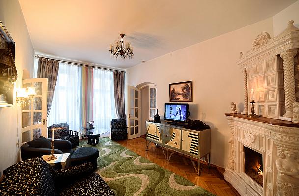 3-комнатная квартира посуточно в Львове. Галицкий район, ул. Друкарская (пл. Рынок), 2. Фото 1