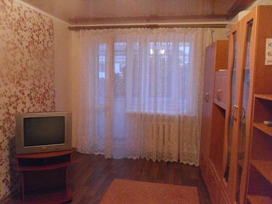 1-комнатная квартира посуточно в Симферополе. Центральный район, пр-т Кирова, 16. Фото 1