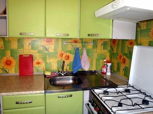 1-комнатная квартира посуточно в Черкассах. ул. Максима Железняка, 5. Фото 1