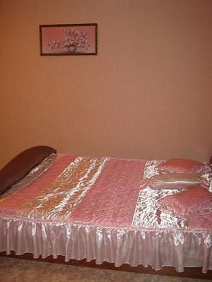 1-комнатная квартира посуточно в Бердянске. ул. Лютеранская, 1. Фото 1
