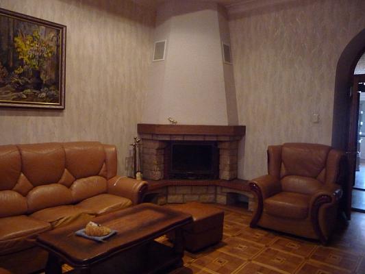 3-комнатная квартира посуточно в Одессе. ул. Пироговская, 23. Фото 1