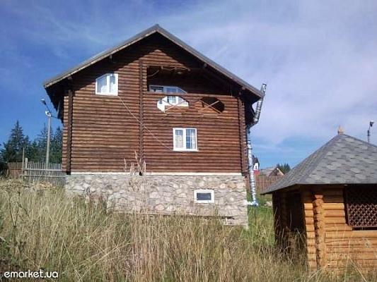Дом  посуточно в Яблунице. ул. Орешков, 340. Фото 1
