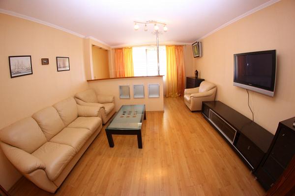 1-комнатная квартира посуточно в Одессе. Мачтовая, 17. Фото 1