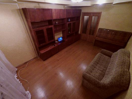 2-комнатная квартира посуточно в Краматорске. Краматорск, ул. Быкова,, 17. Фото 1