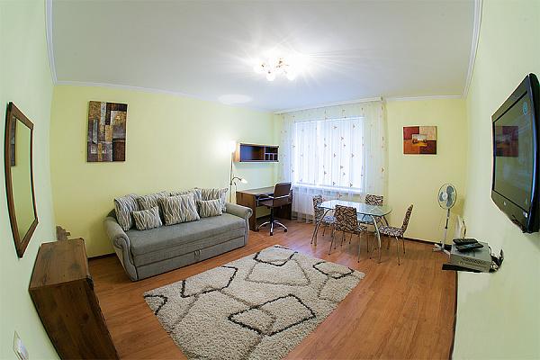 1-комнатная квартира посуточно в Львове. Лычаковский район, ул. Кривчицкая Дорога, 2-Б. Фото 1