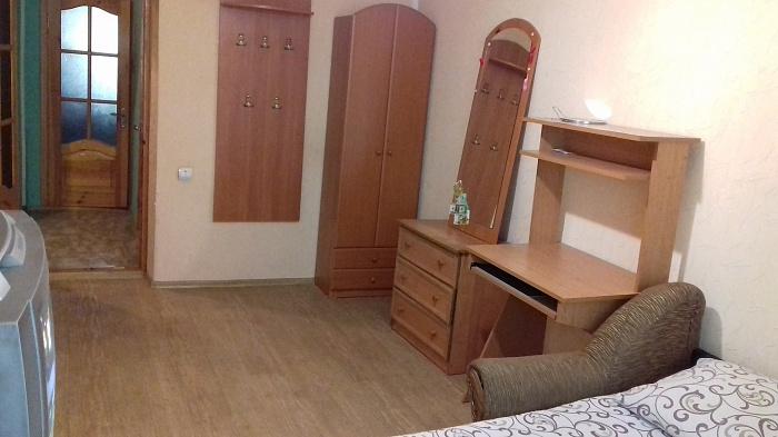 1-комнатная квартира посуточно в Хмельницком. пр-т Мира, 65/4. Фото 1