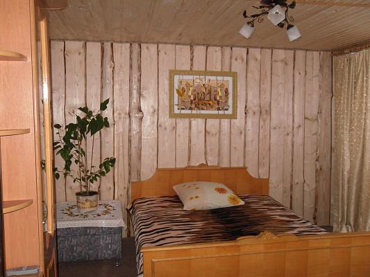 Дом  посуточно в Яремче. с. Паляница район, ул. Шептицкого, 30. Фото 1