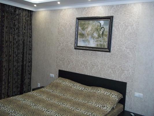 1-комнатная квартира посуточно в Ровно. ул. Вячеслава Черновола, 60. Фото 1