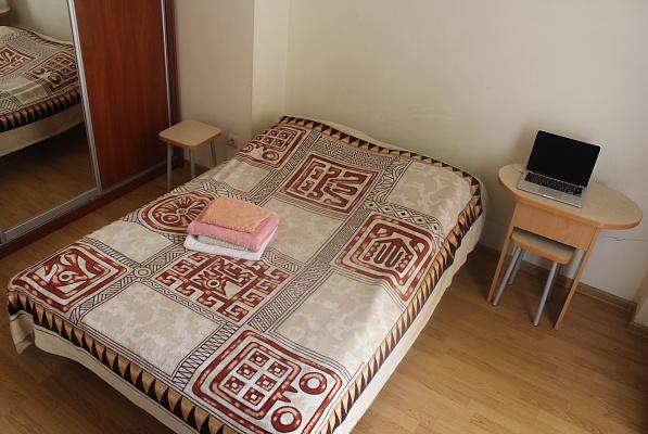 1-комнатная квартира посуточно в Львове. Лычаковский район, ул. Богомольца, 10. Фото 1