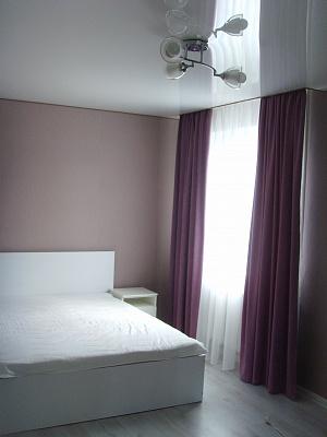 1-комнатная квартира посуточно в Кременчуге. ул. Первомайская, 61. Фото 1