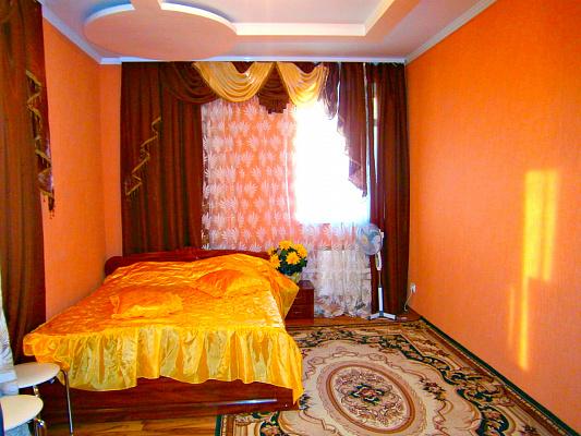 1-комнатная квартира посуточно в Кировограде. Кировский район, Калинина 44, 7А. Фото 1