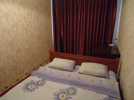2-комнатная квартира посуточно в Краматорске. ул. Дворцовая, 57. Фото 1