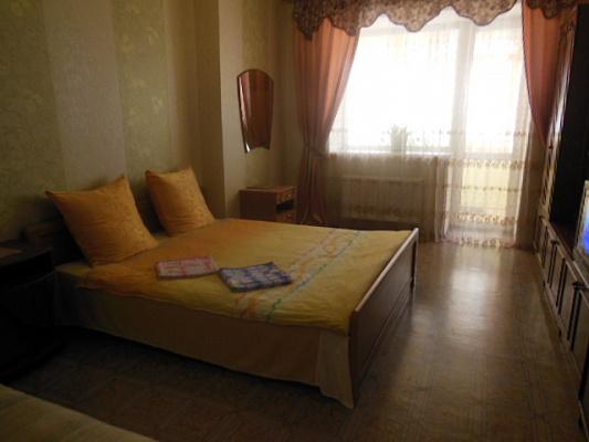 1-комнатная квартира посуточно в Броварах. ул. Киевская, 243. Фото 1