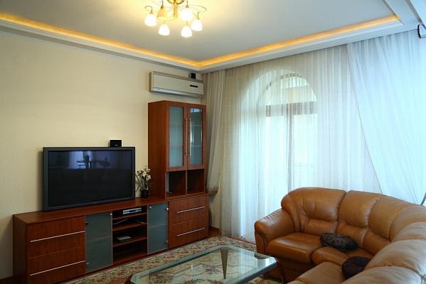 2-комнатная квартира посуточно в Киеве. Печерский район, Мечникова, 6. Фото 1