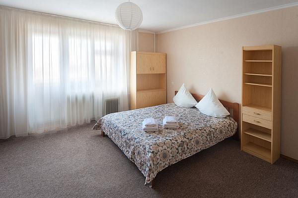 1-комнатная квартира посуточно в Запорожье. Ленинский район, ул. Штурмовая, 5. Фото 1