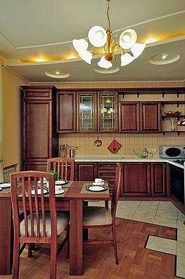 2-комнатная квартира посуточно в Харькове. Дзержинский район, ул. Данилевского, 19. Фото 1
