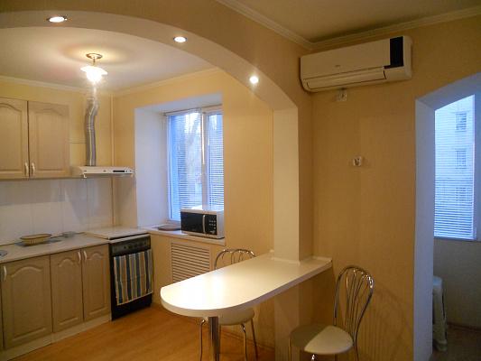 2-комнатная квартира посуточно в Мелитополе. ул. Ярослава Мудрого, 1. Фото 1