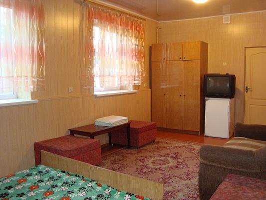 Комната  посуточно в Геническе. Кирова, 28. Фото 1