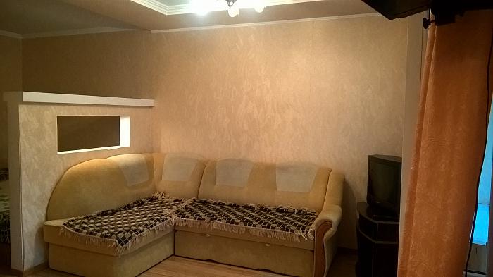 1-комнатная квартира посуточно в Трускавце. ул. Ивасюка, 1. Фото 1
