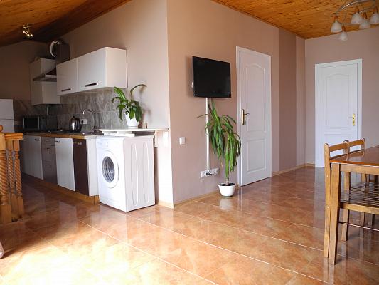 4-комнатная квартира посуточно в Тернополе. пр-т Степана Бандеры, 27. Фото 1