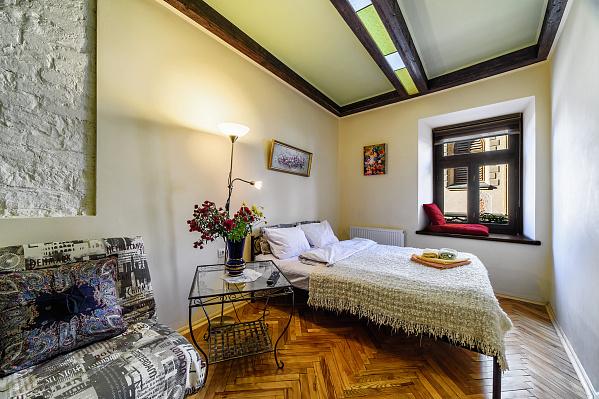 1-комнатная квартира посуточно в Львове. Галицкий район, ул. Армянская, 14. Фото 1