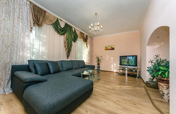 3-комнатная квартира посуточно в Киеве. Печерский район, ул. Лютеранская, 19. Фото 1