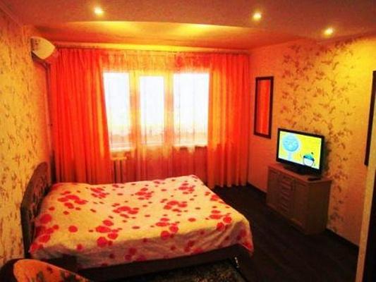 1-комнатная квартира посуточно в Херсоне. Суворовский район, ул. Старообрядческая (Комсомольская), 3. Фото 1