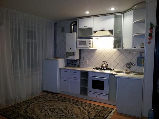 1-комнатная квартира посуточно в Хмельнике. ул. 1 Мая, 56. Фото 1