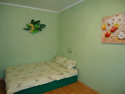 1-комнатная квартира посуточно в Николаеве. Заводской район, ул.Крылова. Фото 1