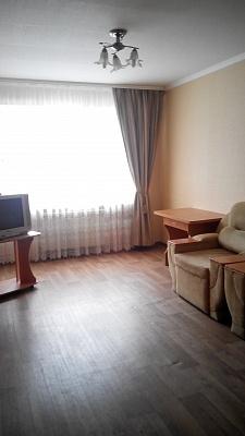 2-комнатная квартира посуточно в Сумах. Заречный район, ул. Сумско-Киевских Дивизий, 25. Фото 1