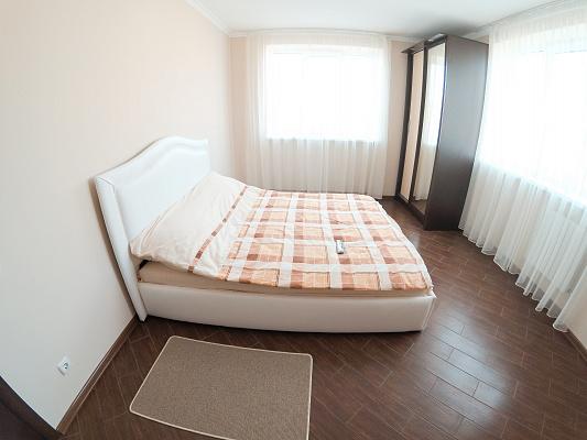 3-комнатная квартира посуточно в Черновцах. Первомайский район, ул. Кишиневская, 56А. Фото 1