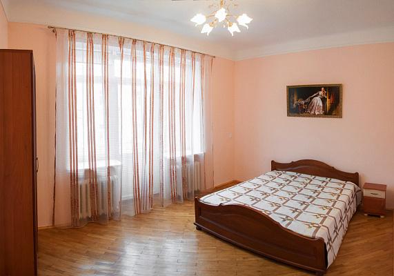 2-комнатная квартира посуточно в Львове. Галицкий район, ул. Петра Дорошенко, 45. Фото 1